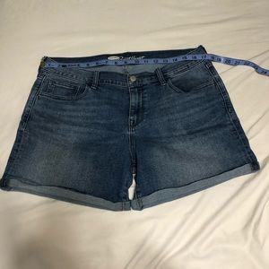 5 for $25 old Navy shorts